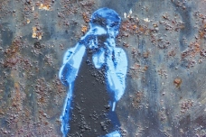 photographer-blue-southseaghetto-detail