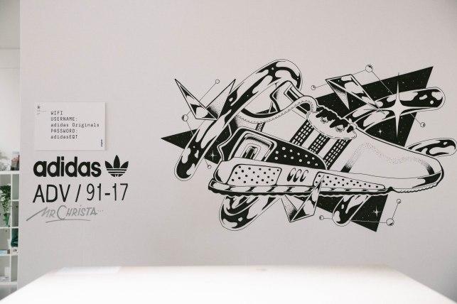 street art adidas mr christa